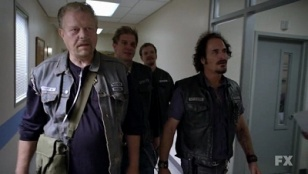 Sons of Anarchy 03x09 : Turas- Seriesaddict